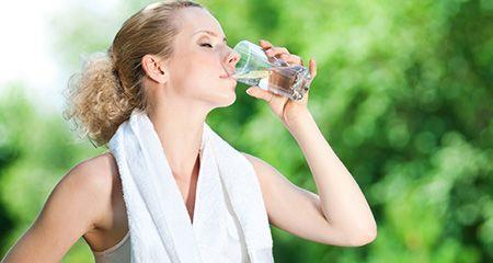 9 Мифов о полезных свойствах воды
