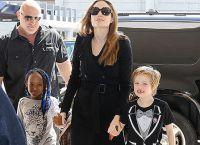 Анджелина Джоли с дочерями Захарой Марли и Шайло-Нувель Джоли-Питт