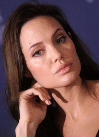Angelina Jolie, fără machiaj 3