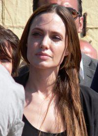 Angelina Jolie, fără machiaj 4
