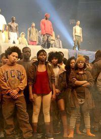 """Vorbind despre colectarea de Kanye West, Anna Wintour a folosit expresia """"migrantul"""