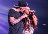 Ариана Гранде и Джастин Бибер на концерте