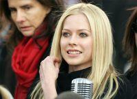 Avril Lavigne fără make-up 7