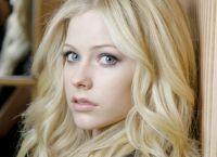 Avril Lavigne fără make-up 9
