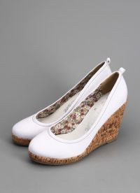 белые туфли на танкетке 7
