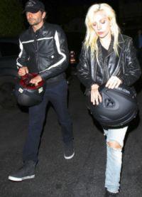 Брэдли Купер был замечен ресторане в обществе с Леди Гага!