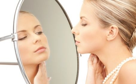 Конечно, как и всякая другая, эта процедура имеет ряд неудобств. Но в результате - Ваша кожа изменится, она станет гладкой и ровной!