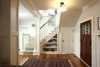 дизайн прихожей с лестницей 3