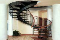 дизайн коридора с лестницей 1