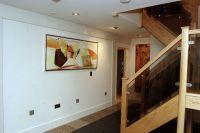 дизайн коридора с лестницей 2