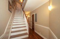 дизайн коридора с лестницей 3