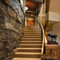 классический интерьер коттеджей с лестницами2