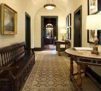 Дизайн коридора в частном доме2