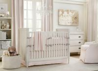 Дизайн спальни с детской кроваткой12