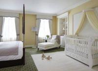 Дизайн спальни с детской кроваткой6