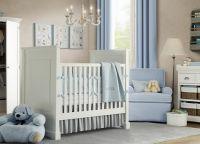 Дизайн спальни с детской кроваткой13