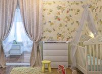 Дизайн спальни с детской кроваткой14