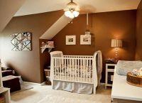Дизайн спальни с детской кроваткой16