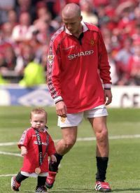 Сыну прославленного футболиста не привыкать выходить на поле