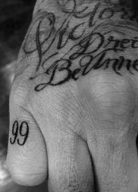 Число 99 в честь года свадьбы с Викторией