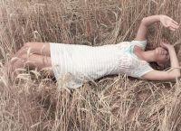 фотосессия в поле в платье 2