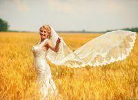 фотосессия в поле в платье 3