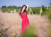 фотосессия в поле в платье 8