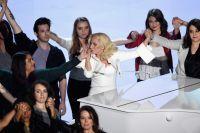Леди Гага и люди подвергшиеся насилию
