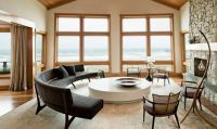 Интерьер гостиной в частном доме6