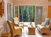 Интерьер гостиной в деревянном доме8