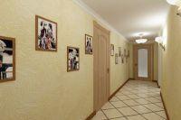 Интерьер коридора в доме4