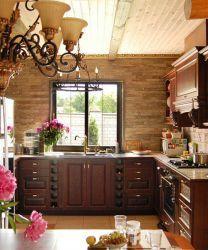 Интерьер кухни в частном доме
