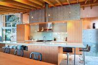 Дизайн кухни в деревянном доме 5