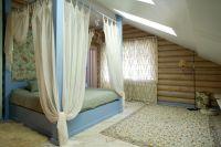 интерьер спальни в деревянном доме 1