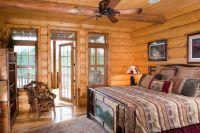 интерьер спальни в деревянном доме 3