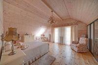 интерьер спальни в деревянном доме 6