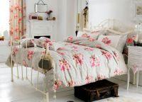 Интерьер спальни в стиле прованс3