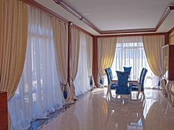 Интерьер зала в частном доме
