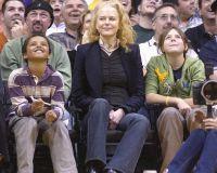 Николь Кидман просто очень рада за дочь. Фото 2004 года