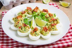 Яйца, фаршированные сыром