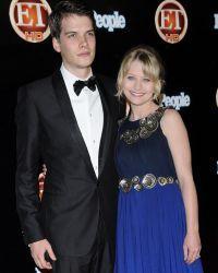 Актриса уже была замужем за актером Джошем Яновичем