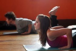Йога дома для начинающих