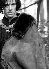 У Шекспира Ричард ІІІ -- злодей, идущий к власти по головам и от убийства к уби