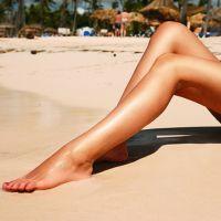 К чему чешется правая нога?