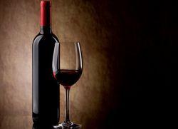 К чему снится красное вино?