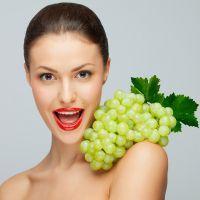 К чему снится виноград женщине?