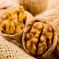 К чему снятся орехи?