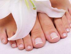 Как отбелить ногти на ногах