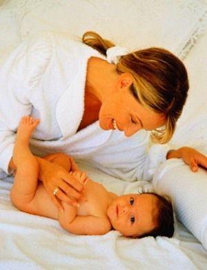 Как правильно обрабатывать пупок новорожденного ребенка?