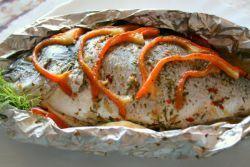 kako kuhati ribu u foliji u pećnici